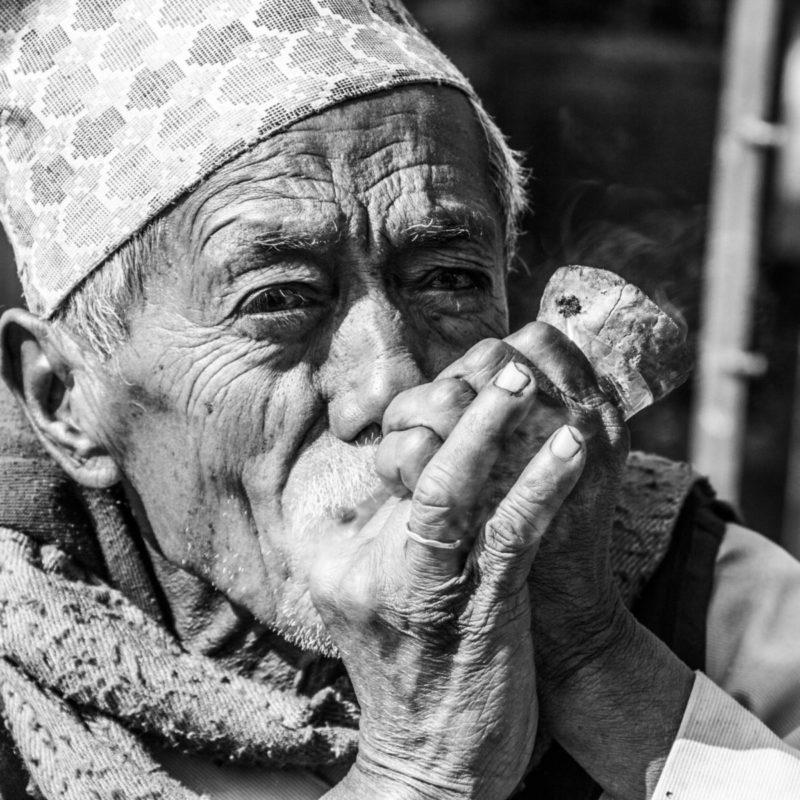 Le viel homme et la pipe