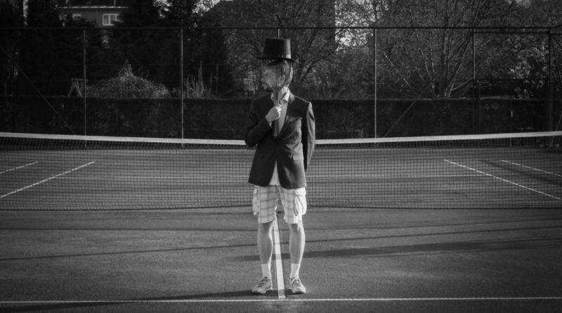 Man with Hat – Tennis court 2 1
