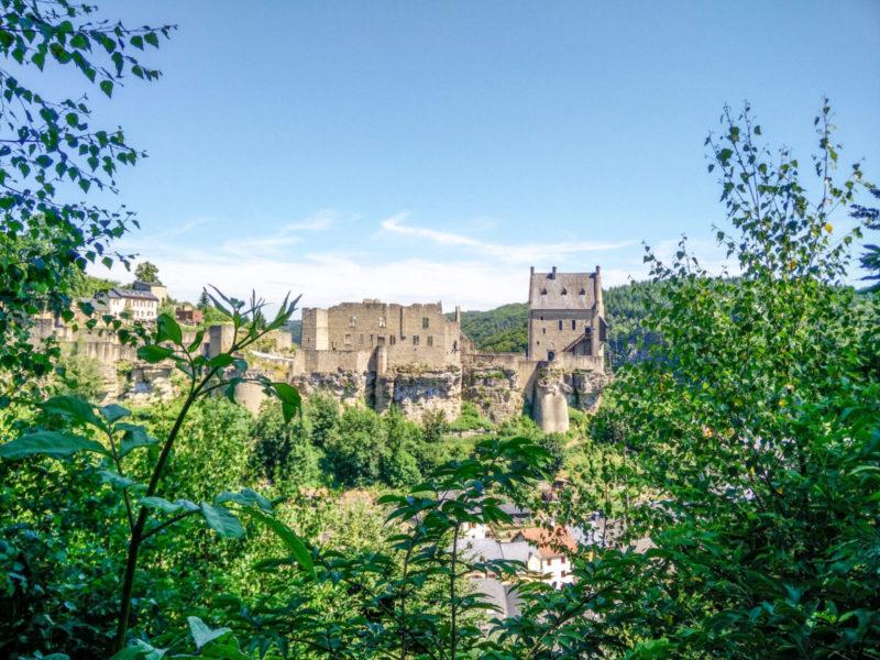 Sneak into the castle 1