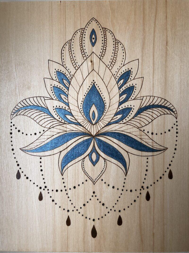 pyrogravure-sur-bois-lotus